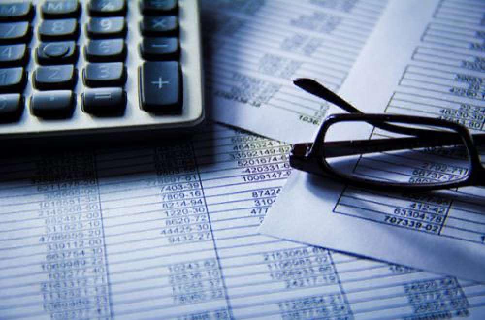 Wie Ihr Unternehmen bei Geschäftsreisen sparen kann